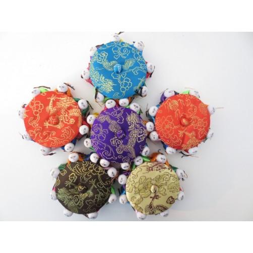 Grajski zaklad s kristali v škatlici srečnih lutk