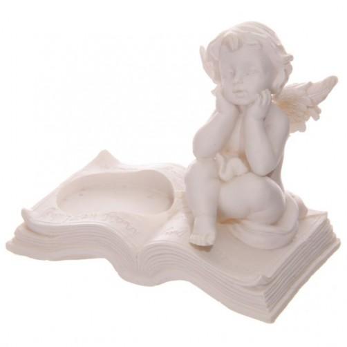 Angel na knjigi, svečnik 1