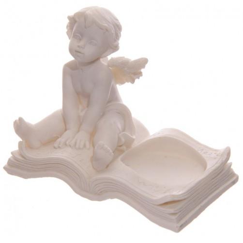 Angel na knjigi, svečnik 3