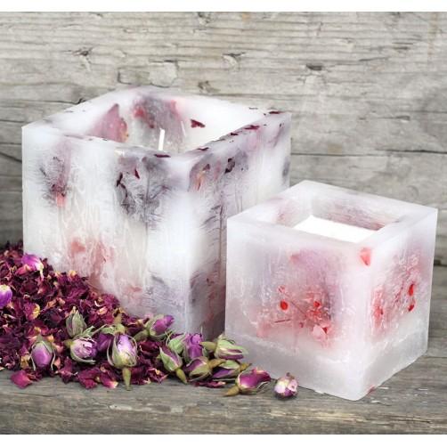 Čarovniška sveča iz sojinega voska in pravih vrtnic